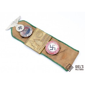 HJ shoulder boards with souvenirs