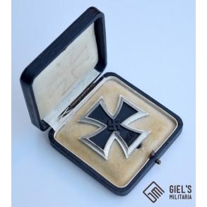 Iron cross 1st class by W. Deumer + box
