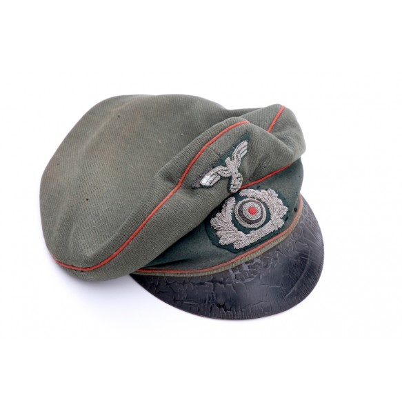 """Early """"alter art"""" crusher cap for artillery troops"""