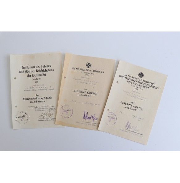 Paratrooper award document set to Hauptmann B. Roggemann 8. FJ Div. Holland 1944, Ruhr pocket 1945!!!