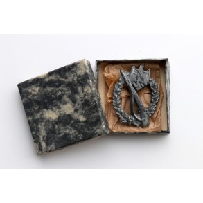 Infantry Assault Badge in silver by BSW + BOX