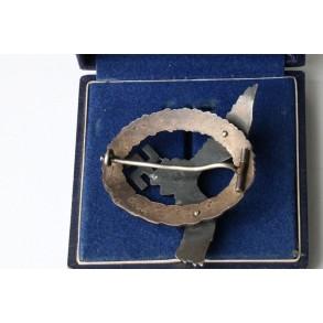 Luftwaffe pilot badge by BSW + case