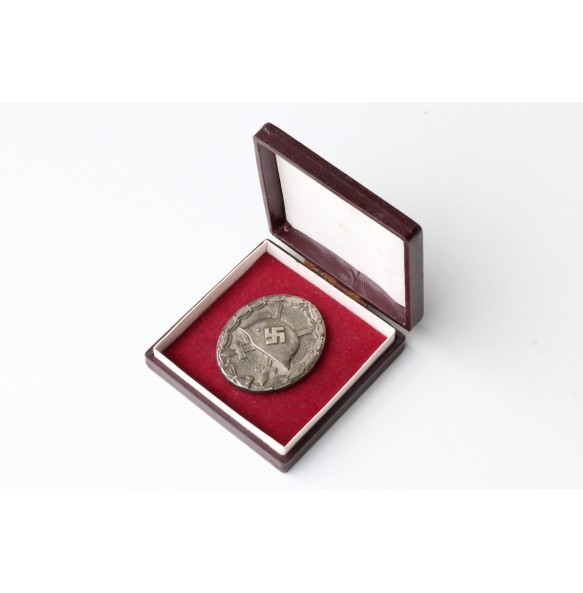 Wound badge in silver by Hauptmünzambt Wien + BOX