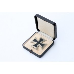 Iron Cross 1st class by unknown maker + box