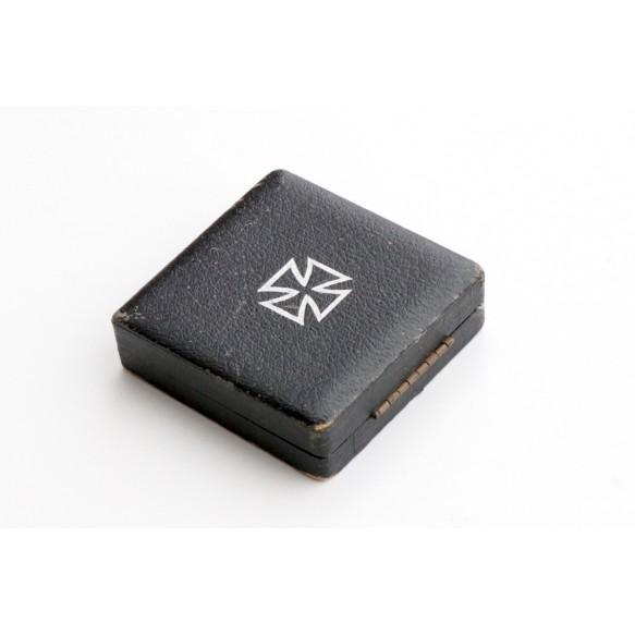 Iron Cross 1st class award box (Deumer)