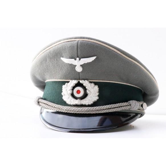 Named army officer Visor to Ltn. Weiss