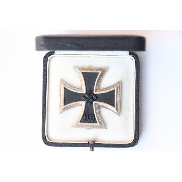 Iron cross 1st class by P. Meybauer + early box