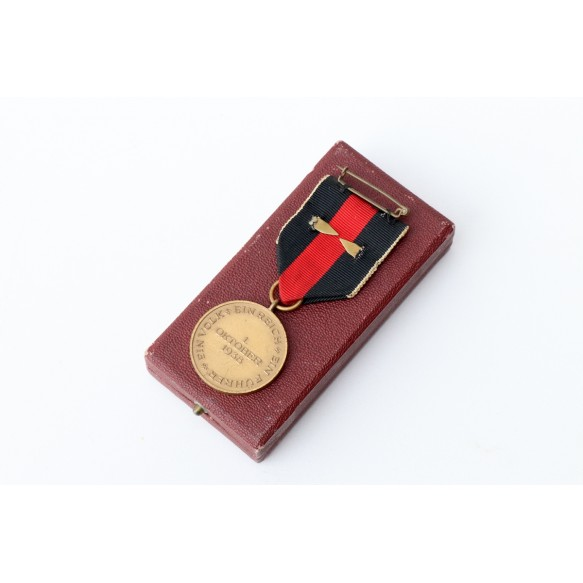 Czech annexation medal with Prague bar in box