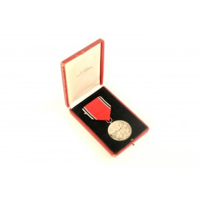 "Eagle order medal by Pr. Münze Berlin ""835"" + box"