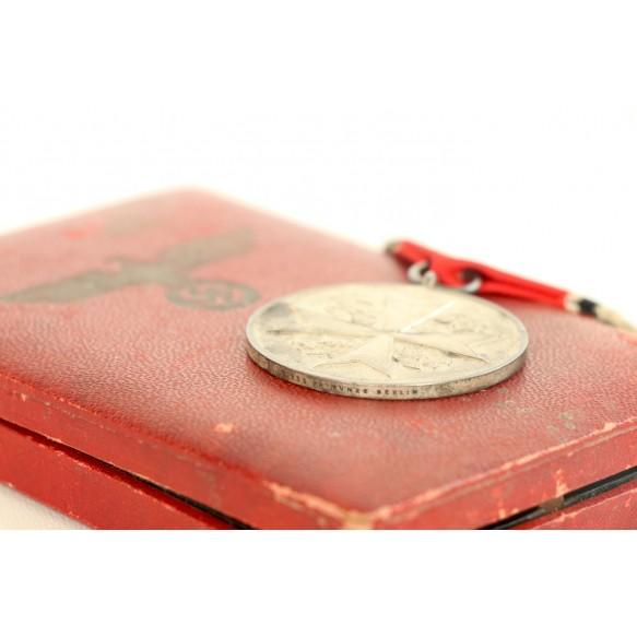 "Eagle order medal by Pr. Münze Berlin ""835"" + box"