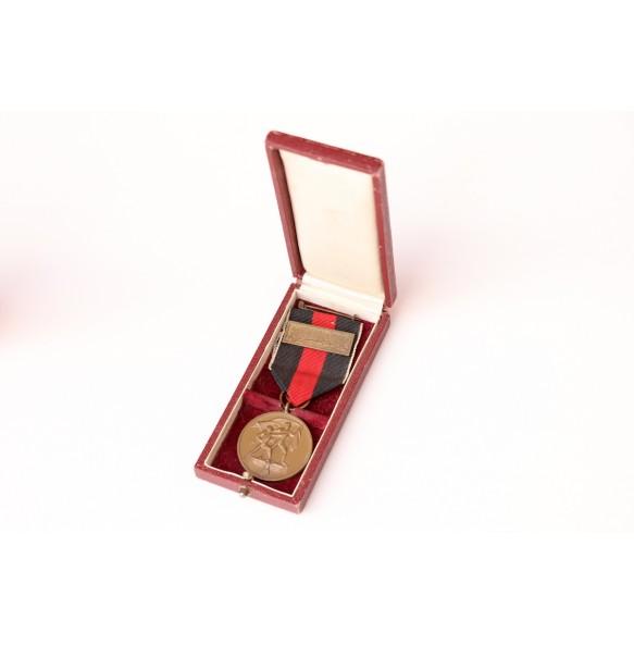 1st October 1938 Czech annexation medal + Prague bar + box