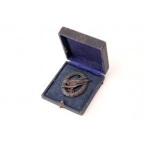 "Luftwaffe paratrooper badge by F.A. Assmann & Söhne ""A"" + box"