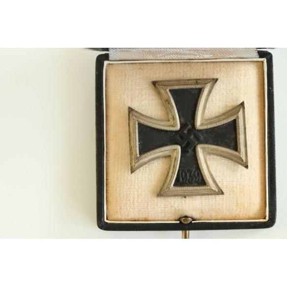 """Iron cross 1st class by Klein & Quenzer A.G. """"65"""" + box"""