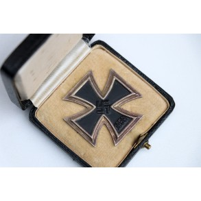 Iron cross 1st class by Arbeitsgemeinschaft, Hanau +case