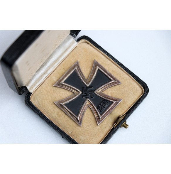 Iron cross 1st class by Arbeitsgemeinschaft, Hanau +case