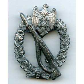 Infantry Assault Badge in silver by Brüder Schneider