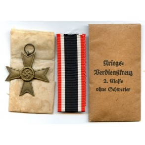 War Merit Cross 2nd class w/o swords by Deschler & Sohn + package