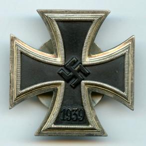 """Iron Cross 1st class by Steinhauer & Lück """"L/16"""" screw back"""