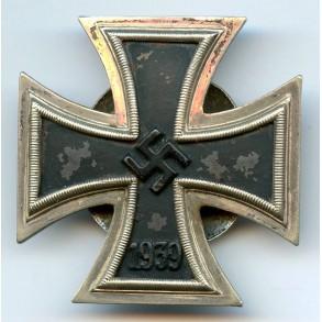"Iron Cross 1st class by C.E. Juncker ""L/12"" screwback"