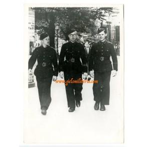"Press photo Flemish ""zwarte brigade"" members"
