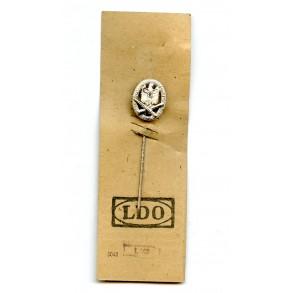 General Assault Badge 16mm miniature on LDO cardboard