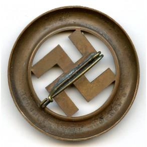 1933 München putch memorial pin by Deschler & Sohn