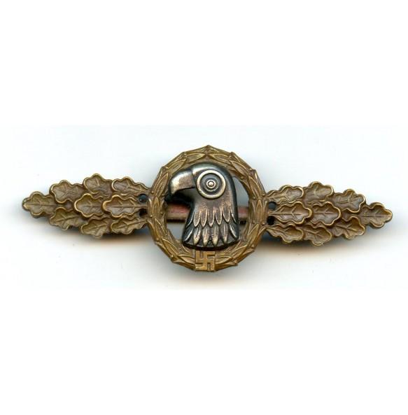 Luftwaffe reconaissance clasp in bronze