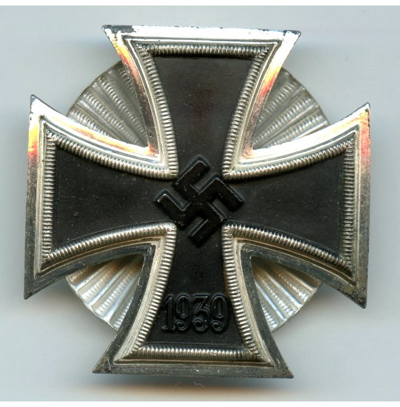 Iron Cross 1st class by W. Deumer, clamshall screwback