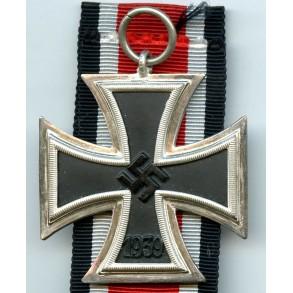 Iron Cross 2nd class by C.E. Junker, unmagnetic!