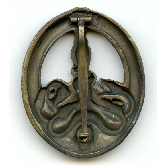 Anti Partisan badge in bronze by C.E. Juncker