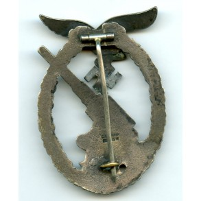 "Luftwaffe flak badge by C.E. Juncker ""J1"""