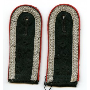 Pair of NCO artillery shoulder boards