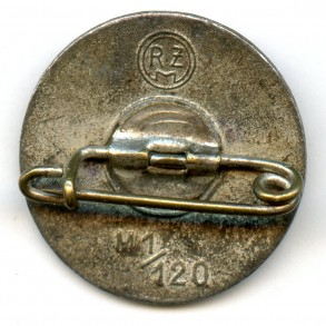 "Party pin by W. Deumer ""M1/120"""
