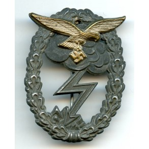 Luftwaffe ground assault badge by J.E. Hammer & Söhne