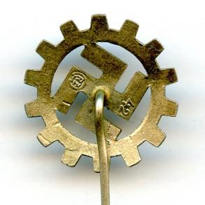 "DAF membership stickpin by Kerbach & Israel ""42"""