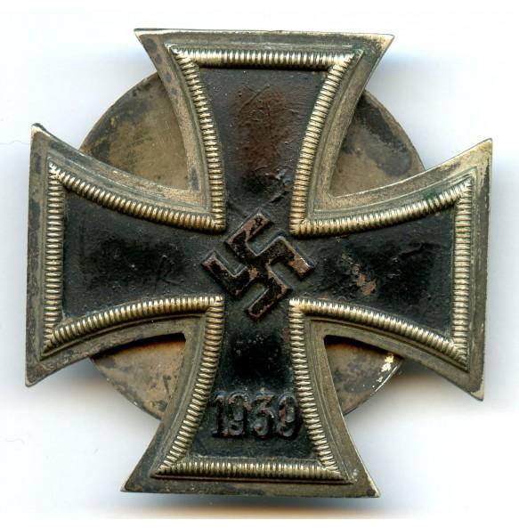 Iron Cross 1st class by O. Schickle, screwback