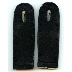 SS-Obersturmführer shoulder board pair