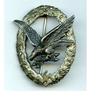 "Luftwaffe Radio Operator / Airginner badge by C.E. Juncker ""J3"""