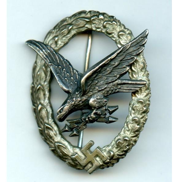 "Luftwaffe Radio Operator / Airginner badge by C.E. Juncker ""J3"""