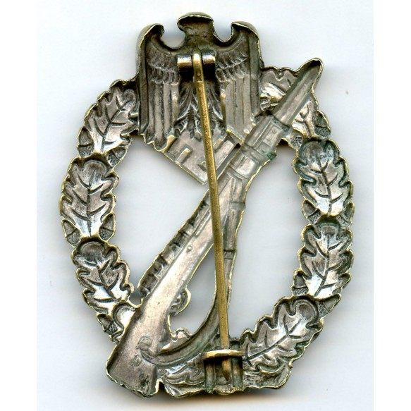 Infantry assault badge in silver by W. Deumer