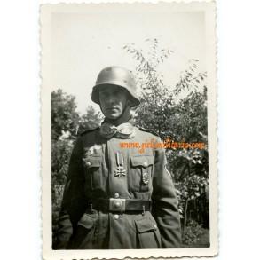 Private snapshot Kradschütze, freshly awarded ek2, helmet damage!!! France 1940