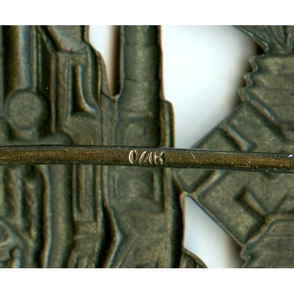 "Panzer assault badge in bronze by Petz & Lorenz ""L/18"""