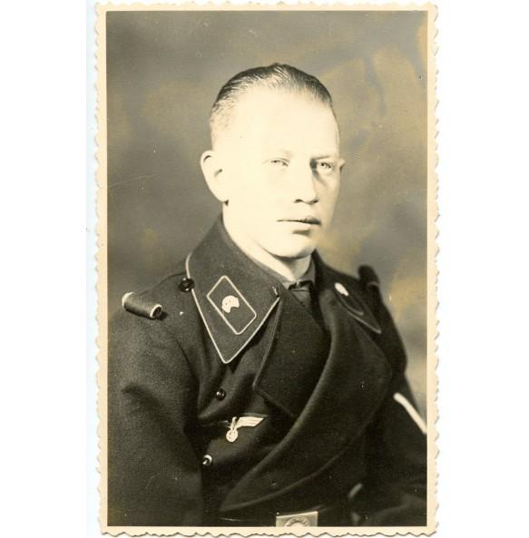 Portrait panzer crew member, rolled up shoulder boards