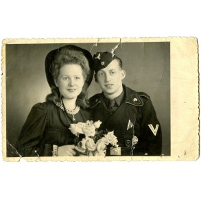 Portrait decorated panzer crew member and wife 1942