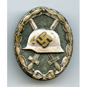 Wound badge in silver by W. Deumer