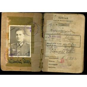 Solbuch to Oberleutant H. Tiller, Jäg. Reg. 28, Tank destruction badge, EK1!