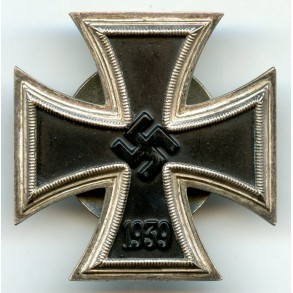 "Iron cross 1st class by F. Orth, screwback ""L/14"""