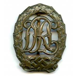DRL sport badge in bronze by E. Schneider