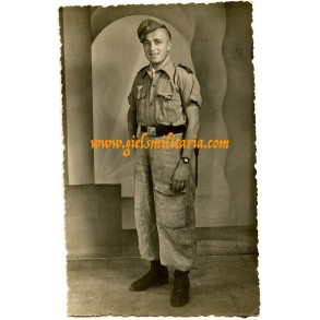Portrait photo paratrooper with EK2 in Italy