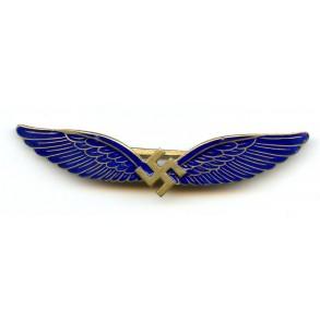 Civil pilot badge by C.E. Juncker